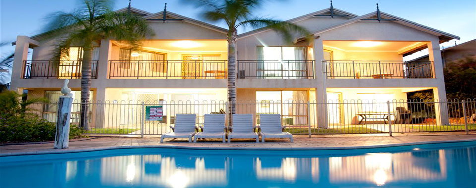 Stay in the heart of Kalbarri in spacious waterfront apartments